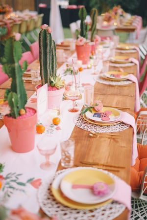 Southern themed inspired wedding table setting ideas. Simple and easy decorations including cacti centrepieces.