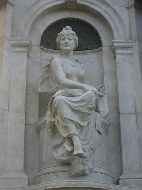Marble statue of history queen victoria memorial