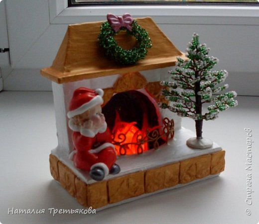 Поделка изделие Новый год Рождество Бисероплетение Картонаж Лепка Рождественский камин с подсветкой Бисер Гипс Глина Картон фото 1