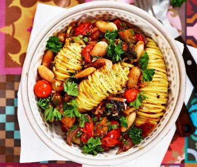 Auberginepasta med tomat och örter