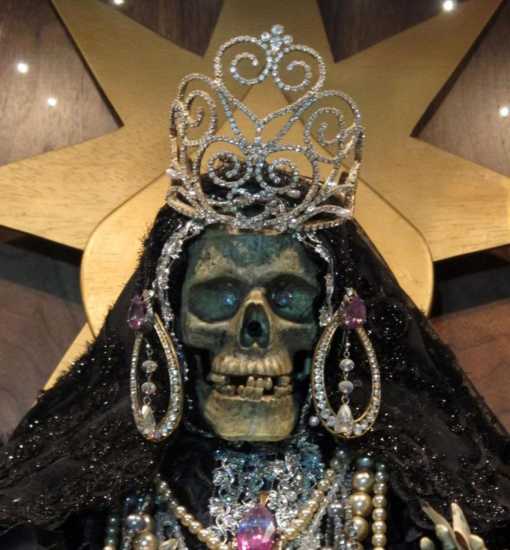 La Santa Muerte, an underworld saint most recently associated with the violent drug trade in Mexico, now is spreading throughout the U.S. among a new group of followers ranging from immigrant small business owners to artists and gay activists.