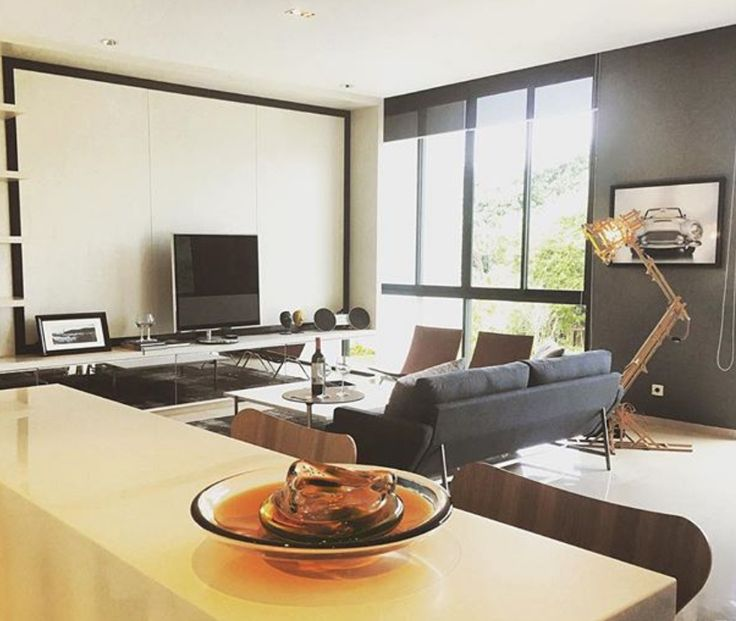 BeoVision 11 is the protagonist in this modern classy interior shared by @theizzara on Instagram!