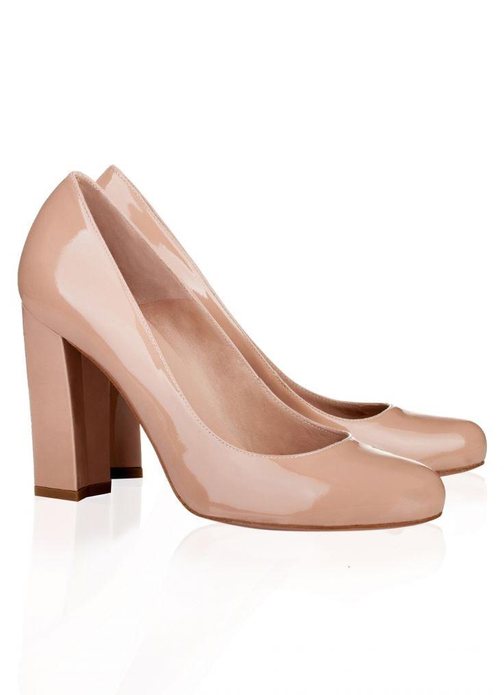 Pura Lopez Elodie- Zapatos de salón Pura López con tacón alto grueso realizados en charol nude.