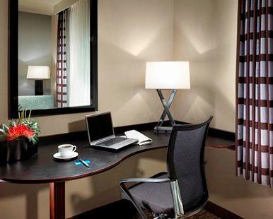 Hampton Inn Carlsbad-North San Diego County Hotel, CA - Work Desk