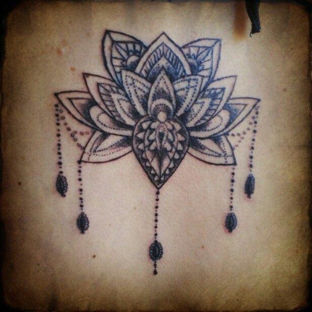 lotus mandala tattoo flor de loto mandala tatuaje tattoos pinterest tattoo. Black Bedroom Furniture Sets. Home Design Ideas