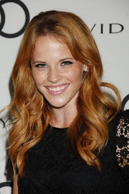 Katie Leclerc Bra Size, Age, Weight, Height, Measurements - http://www.celebritysizes.com/katie-leclerc-bra-size-age-weight-height-measurements/