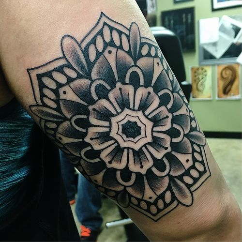How absolutely stunning is this floral mandala tattoo by artist Brie Brutal?