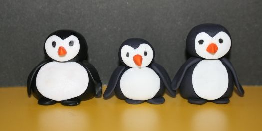 How to make a gum paste penguin • CakeJournal.com: Fairy Cakes, 123 Penguins, Birthday Celebration Cakes, Fondant Penguins, Cupcake Tutorials, Animal Cakes, Paste Penguin, Penguin Cakes, Cake Decorating