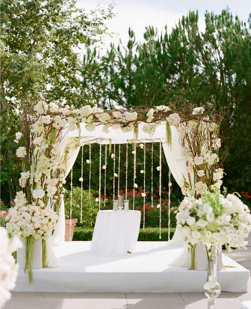 73 best images about wedding arch on pinterest altar for Diy indoor wedding arch