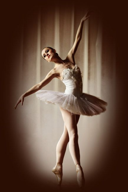 Pub Dance Scene - (Ballerina/Leap!) - YouTube