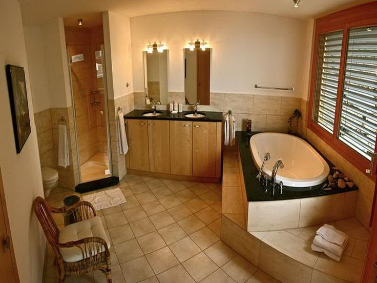 I absolutely love the Warm Traditional Bathroom; the style is completely entirely beautiful. Checkout 31 beautiful traditional bathroom design for your inspiration. Enjoy!