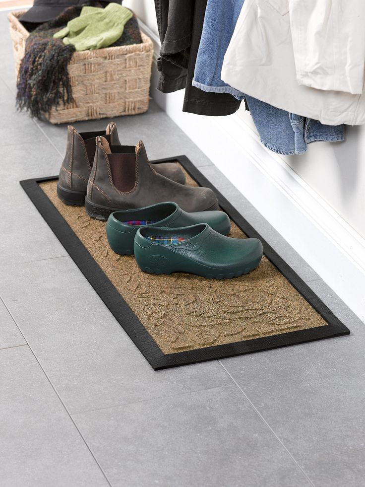 Fall Leaves Water Glutton Boot Tray for the Mudroom | Gardeners.com