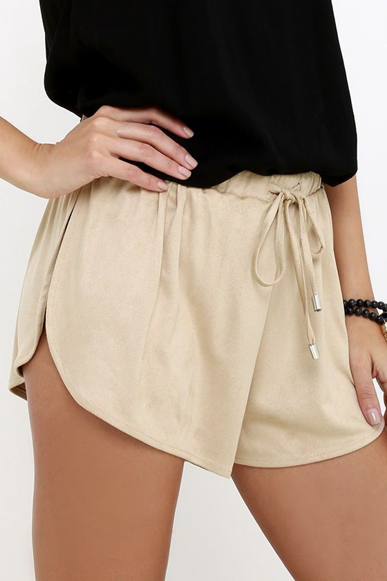 Whichever spice queen you are on the regular, when you're feeling sporty, the Nightwalker Sporty Spice Beige Suede Shorts are for you! An elastic, drawstring waistband tops soft, microfiber suede shorts with super high side slits.
