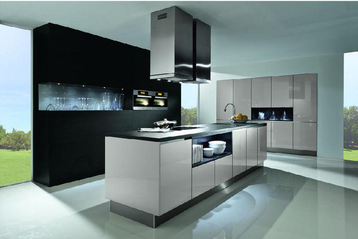 Monochrome kitchen handleless kitchen - creates a bold statement