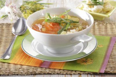 Polévka s vaječnými květy (Vietnam)