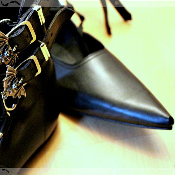 Winklepickers! (Review: The Gothic Shoe Company)