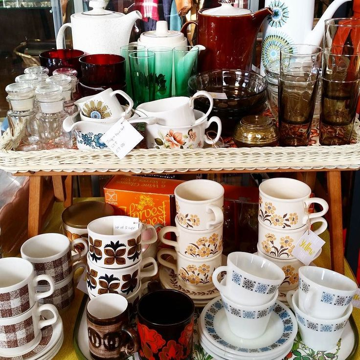 Today is the last day to place your orders in time for Christmas! I'll be posting orders out tomorrow but anything ordered after today may not arrive in time. I'll still be posting until Friday just incase anything takes your fancy. Also don't forget you can always pop to @hopkinson21 and check out the stock we have there perfect for last minute vintage Christmas gifts!