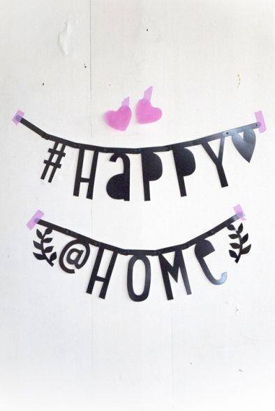 Super voor verjaardagen, (verrassings-) aankondigingen, liefdesverklaringen,geboorteaankondigingen of om mooie statements in je huis of winkel op te hangen. Alle letters en symbolen zijn voor hergebruik, dus wissel de tekst zo vaak als je wilt! Ook erg l -