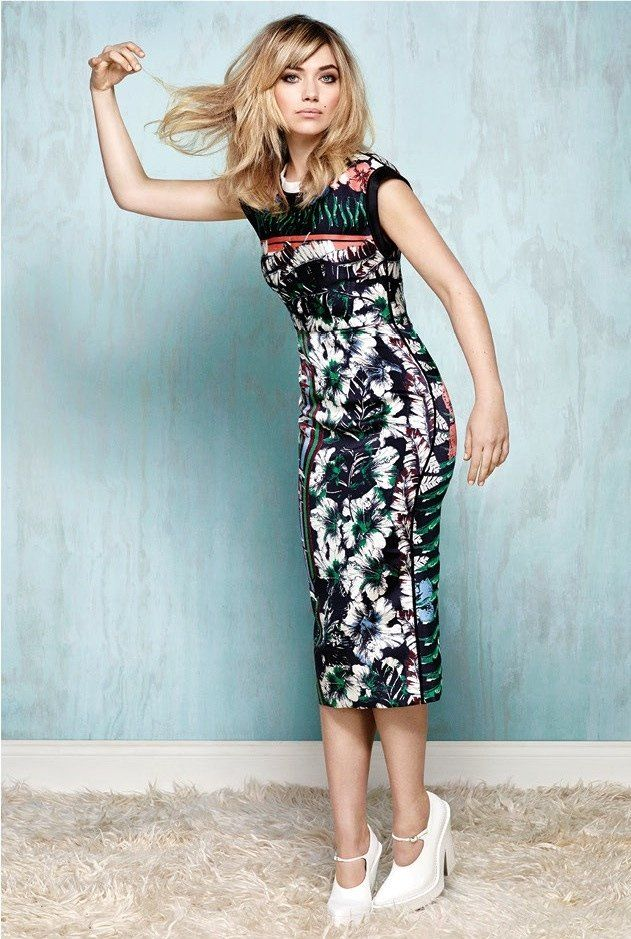 Pretty look imogen poots 2014 2 Imogen Poots Covers Flare, Calls Courtney Love Her Fashion Icon