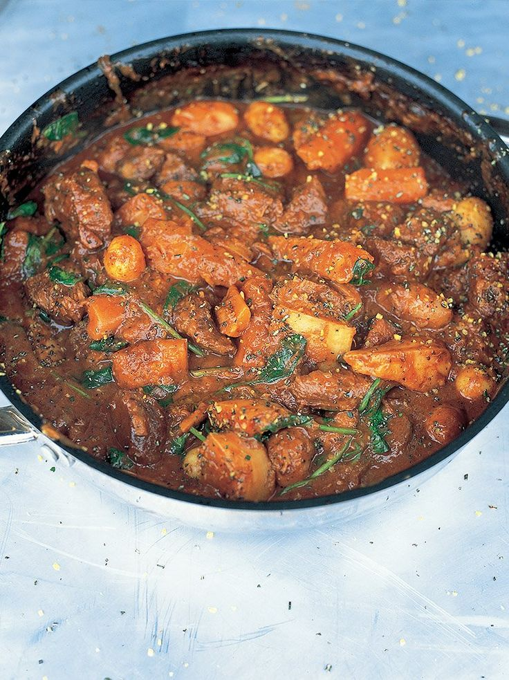 Jools's favourite beef stew: ingredients translation: 1 3/4lb of stewing beef, 1lb of potatoes, 2 TB of tomato paste, 1 1/4 cup of beef stock