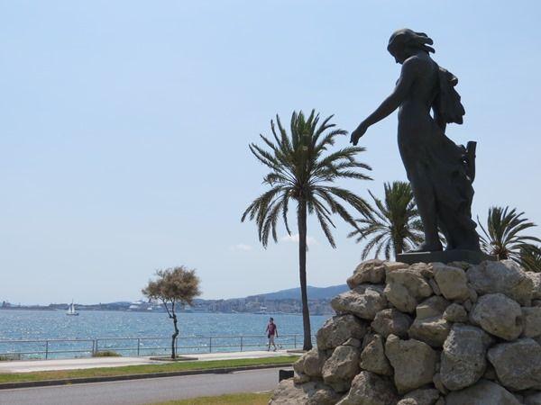 01_Statue-Nuredduna-Palma-Mallorca