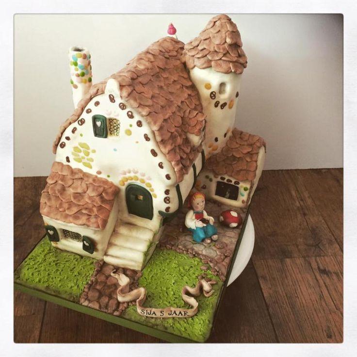 Efteling snoephuisje taart van Hans en Grietje