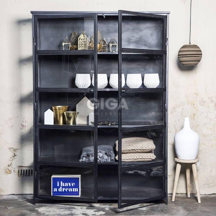 Industriele kasten,dressoirs en ander meubelen bij Giga meubel