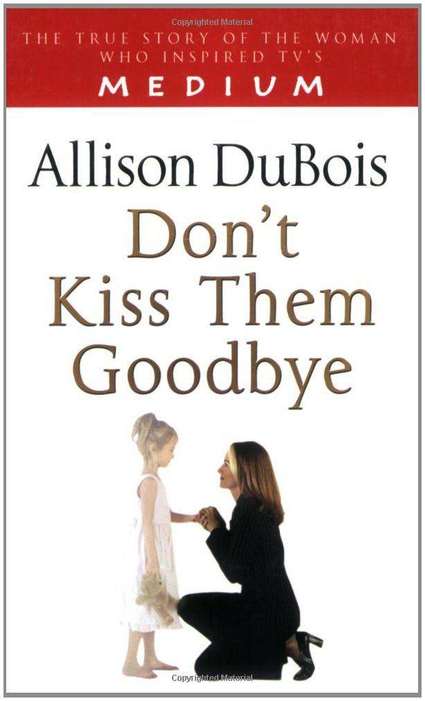Celebrity medium Allison DuBois calls forth the dead at packed Portland event   OregonLive.com