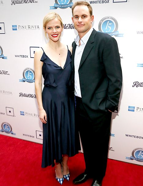 Brooklyn Decker Steps Out With Andy Roddick After Pregnancy Reveal - Us Weekly