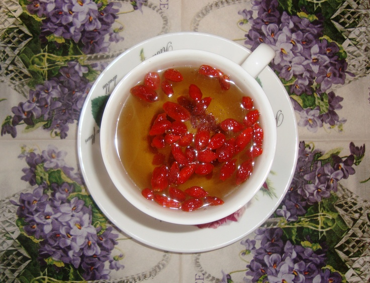 green tea with goji berries
