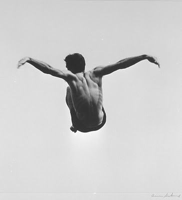 L'aquoiboniste: Photography The Pleasures and Terrors of Levitation, Aaron Siskind
