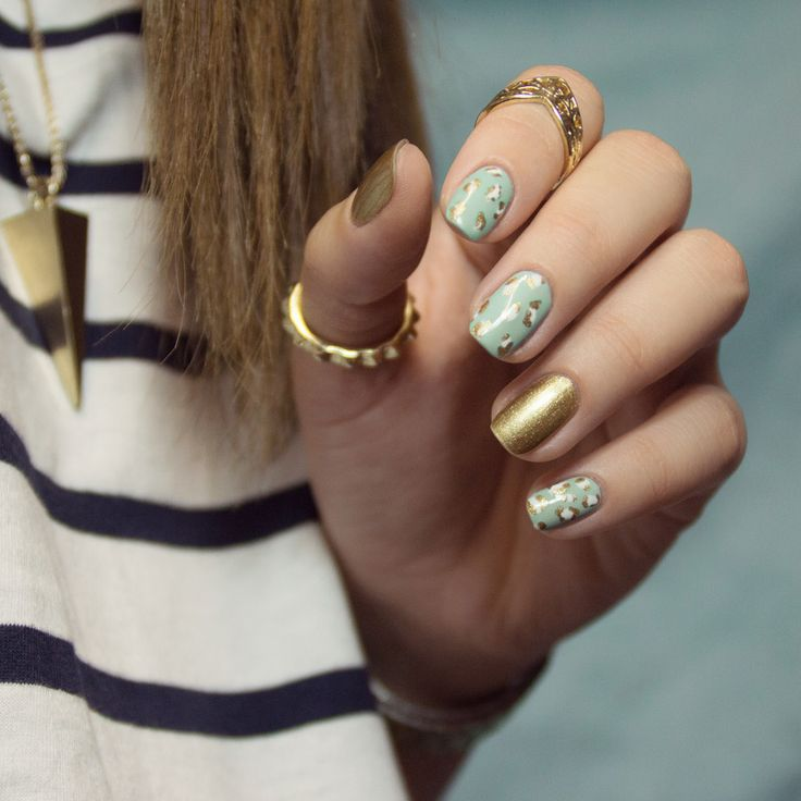 Nail Art - Leopard & Gold