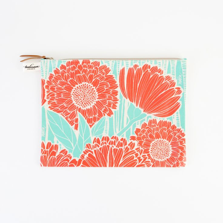 """Keep your lingerie or shoes from mingling with other items in your bag when traveling with this pretty pouch. It's super versatile and can be used to stash smaller things around the home, even to file papers and receipts! The little white label allows it to easily clip onto the Tulisan hook found in most of the brand's bags.  Material: Canvas Size: 10"""" x 13"""""""
