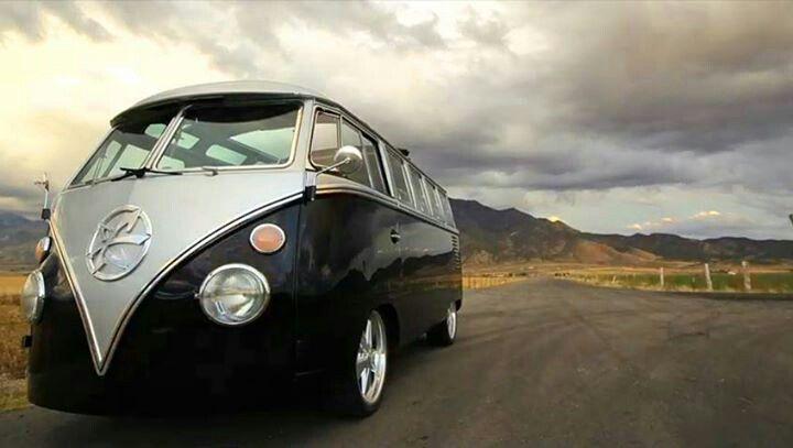 Kindig It Design >> 1962 Volkswagen Bus 23 window built by the Kindig-it Design Crew   Kindig-it Design Creations ...