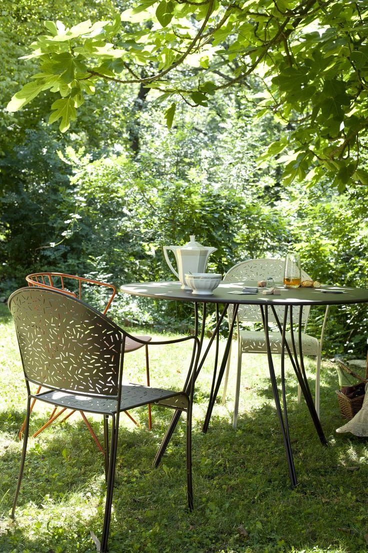 Tavolo rotondo da giardino moderno metallo rendez vous for Tavolo giardino metallo