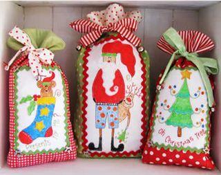 Christmas gift bagsChristmas Inspiration, Christmas Pattern, Christmas Crafts, Bon Christmas, Christmas Bags, Christmas Gift Bags, Gift Bagstr, Christmas Gifts, Good Good