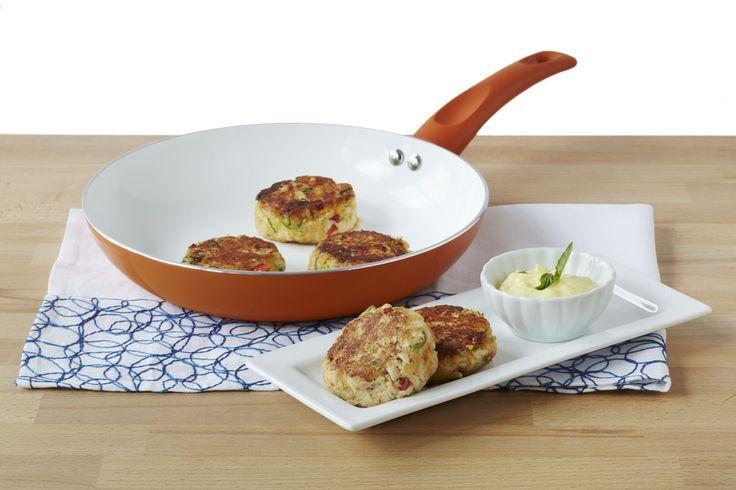 Crab Cakes with Mango Curry Aioli Recipe