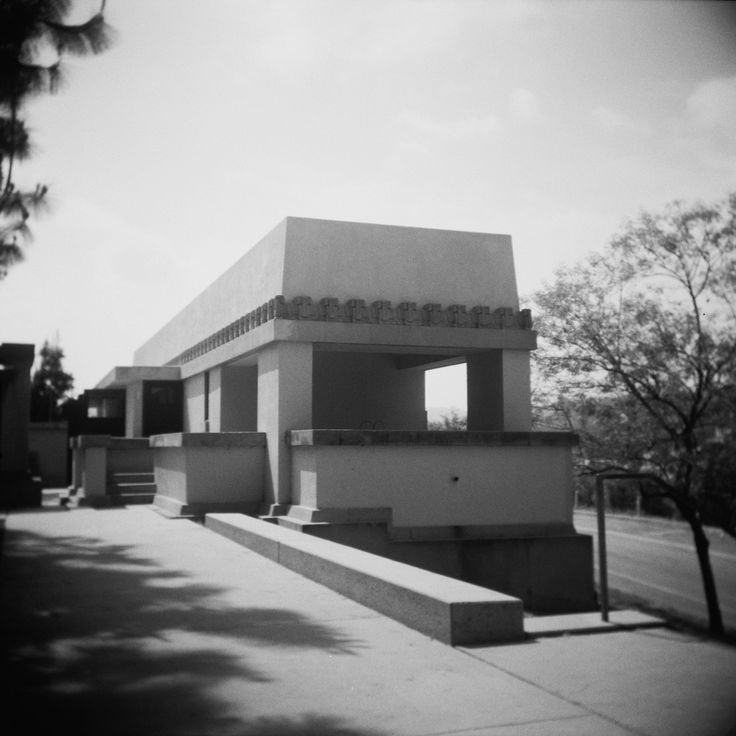 1000 images about frank lloyd wright on pinterest for Hollyhock house