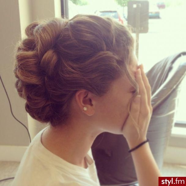 cute, elegant hairstyle to dress up or down