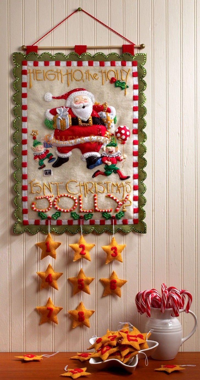 Süslemeleri.  Büyük Noel Beyaz Yeşil Kırmızı Sarı Renkler Resim ile Duvar Süslemeleri Asma Ve Noel Baba Hediyelik Kutular birleştirin Çarpıcı Noel Süslemeleri Asma Two Gnomens Hnaging Yıldız Süsler Doğal Noel Süsleri, Noel Duvar Dekorasyon Asma Of Amazing Fikirler