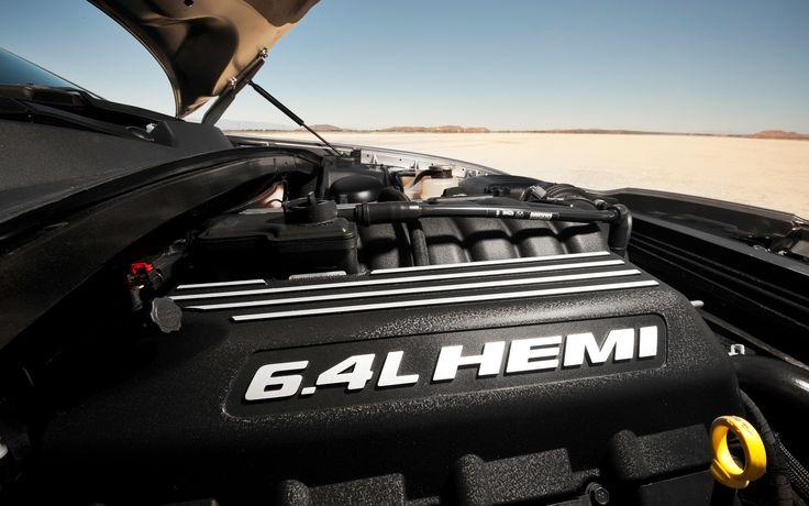chrysler 300 srt8   2012 Chrysler 300 SRT8 Hemi Engine Photo 6