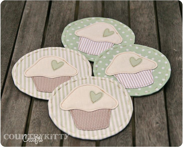 Aren't these little mug mats cute! Frederica suggests tucking these in with some mugs and hot chocolate for a neighbor gift. Cute idea.