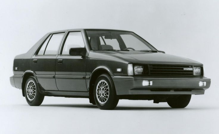 Hyundai Excel z 1986 roku.