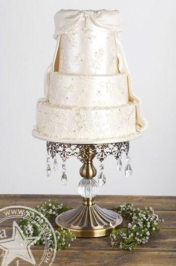 Vintage Cake Stand | Antique Gold