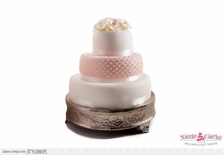 Biało-różowy tort weselny, piętrowy tort weselny, tort z perełkami, tort z kwiatami, torty w stylu angielskim, wesele, Tarnów