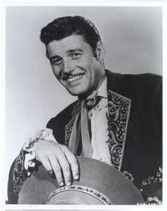 Guy Williams as Don Diego de la Vega/ Zorro <3