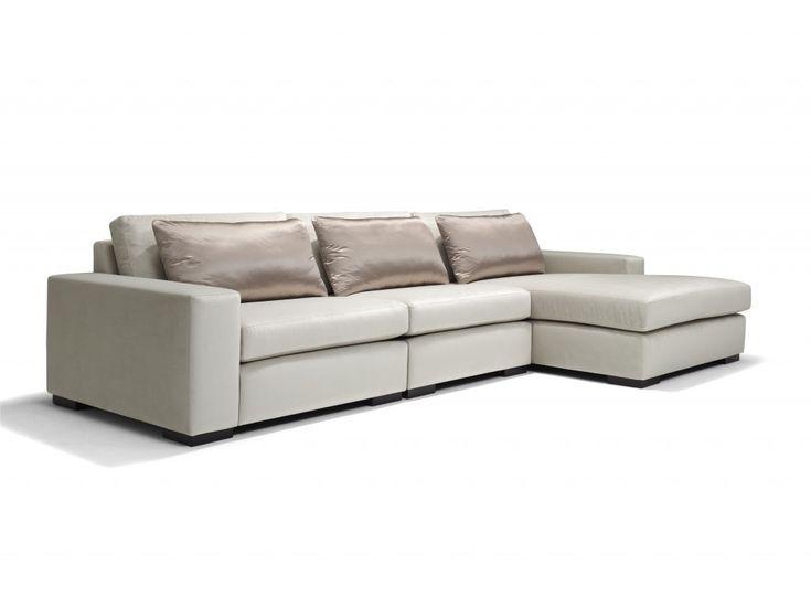 Monique auf der Couch (Ältere)