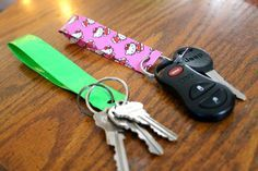 How To Make A Duct Tape Keychain | 101 Duct Tape Crafts. probably will also work with washi tape!!!