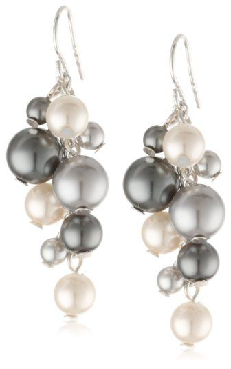 You'll always look your best wearing these pearl drop earrings! Price - $10.00  http://www.bboescape.com/products/85/jewelry