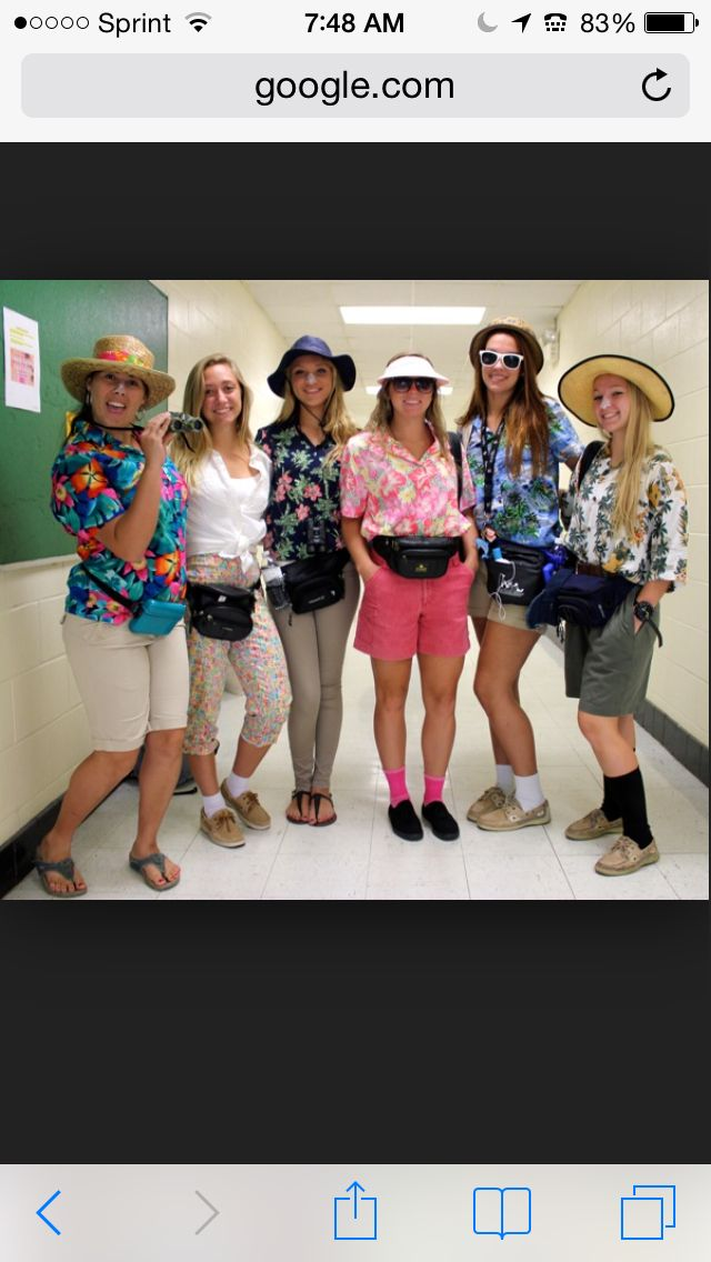 I have been wanting to plan a tourist day for a good year now! hilarious and perfect outfits!!